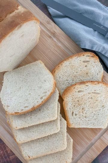 Ines Wuttke kocht mit Pampered Chef Dinkel-Toastbrot.