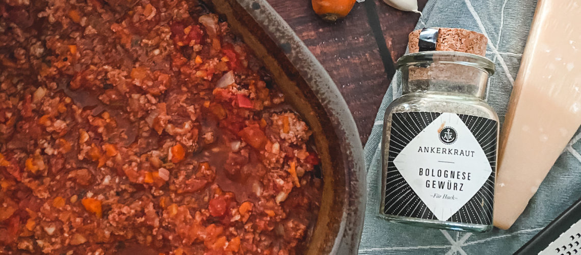 Ines Wuttke kocht mit Pampered Chef Ofen-Bolognese.