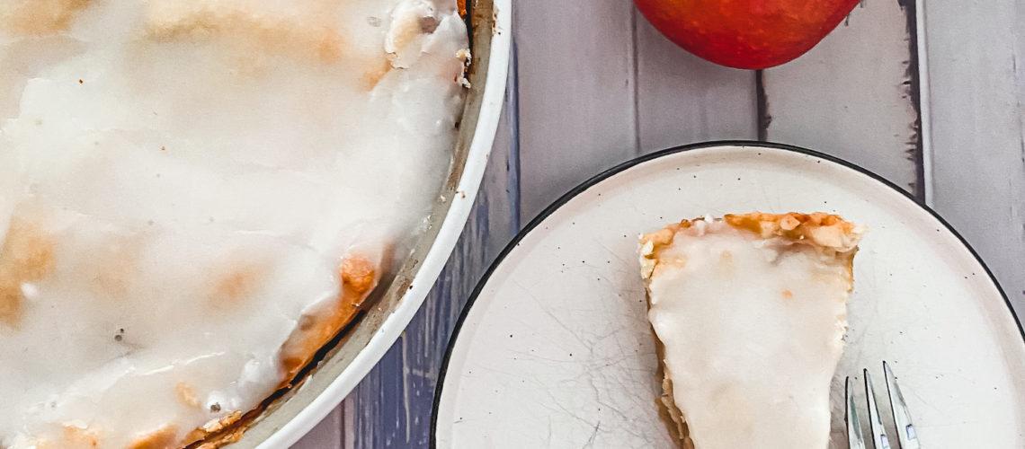 Ines Wuttke kocht mit Pampered Chef gedeckter Apfelkuchen auf Stoneware Ofenhexe